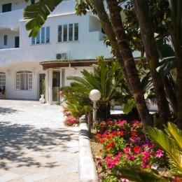 01-Hotel-Struttura-01-600x400