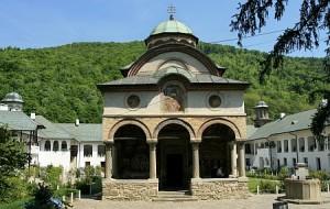 manastirea-cozia-treime-4
