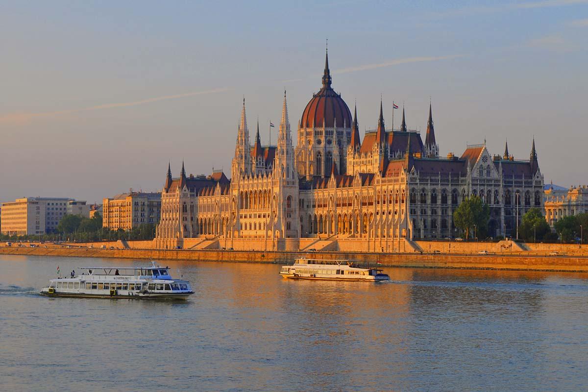Intalnire de fata din Budapesta)