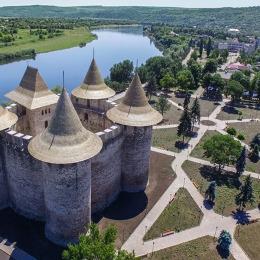 Cetatea Soroca- Campast Travel